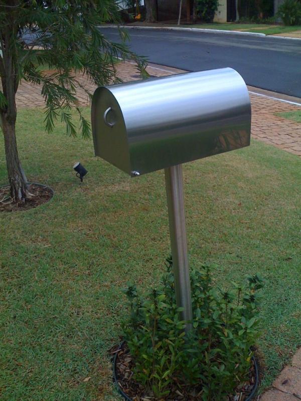 Caixa de Correio de Inox Orçamento Leme - Caixa de Correio em Inox com Pedestal