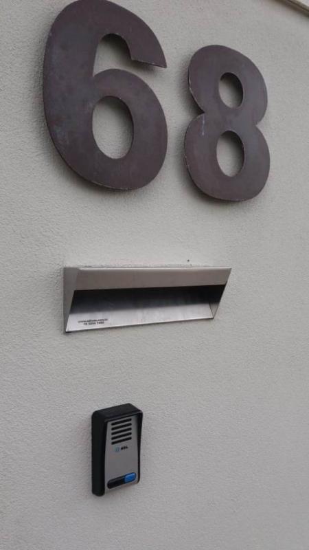 Caixa de Correio de Inox para Muro Nova Odessa - Caixa de Correio em Inox com Pedestal