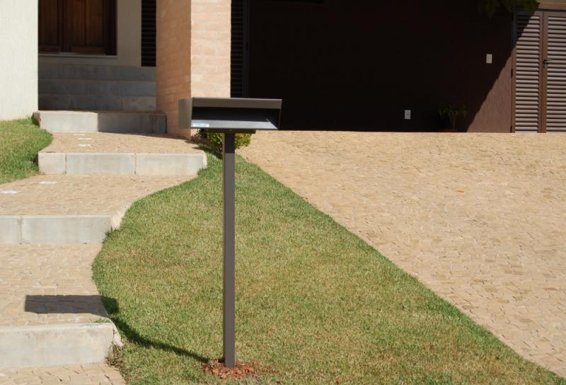 Comprar Caixa de Correio em Inox com Pedestal São Roque - Caixa de Correio em Inox com Pedestal